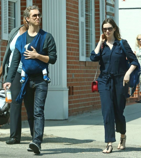 Anne Hathaway And Husband Wedding: Adam Shulman And Jonathan Shulman Photos Photos