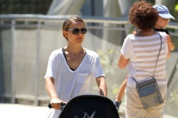 Aleph Portman-Millepied Natalie Portman Takes Her Son to the Museum
