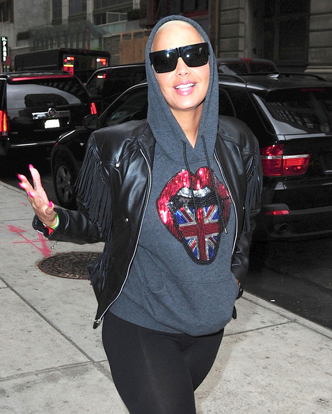 Who has amber rose dated in Sydney