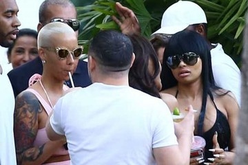 Amber Rose Amber Rose Relaxing Poolside In Miami