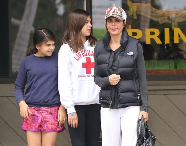 Lisa Rinna Hangs Out With Her Family