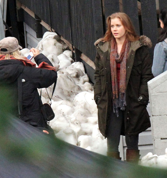 Amy Adams as Lois Lane on the 'Man Of Steel' Set (Photos ...