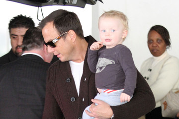 Archie Arnett Amy Poehler And Family Arriving On A Flight At LAX