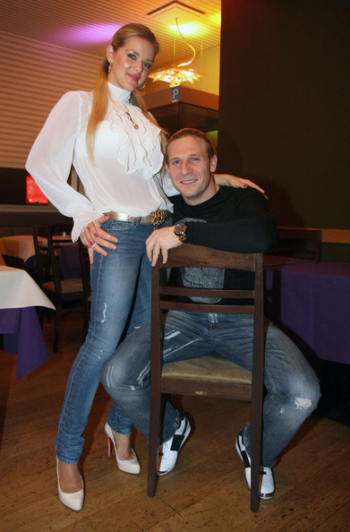 Liverpool%20soccer%20player%20Andriy%20Voronin%20and%20his%20wife%20Yulia%20pictured%20with%20friends%20out%20in%20a%20restaurant%20in%20Berlin.%20That%20day%20the%20German%20Bundesliga%20team%20Herta%20BSC%20had%20an%20emergency%20meeting%20in%20order%20to%20save%20the%20league%20preservation.%20The%20official%20version%20is%20that%20his%20friends%20are%20the%20reason%20for%20his%20visit...%20the%20unofficial%20version%20and%20rumors%20say%20that%20Andriy%20might%20return%20to%20Hertha%20BSC.