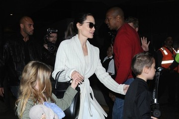 Angelina Jolie Angelina Jolie Arrives at LAX With All of Her Kids