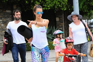 Anja Ambrosio Mazur Alessandra Ambrosio & Family Out For Lunch After Her Yoga Class