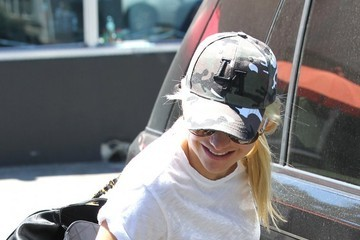 Anna Faris Anna Faris Lunches in Sherman Oaks