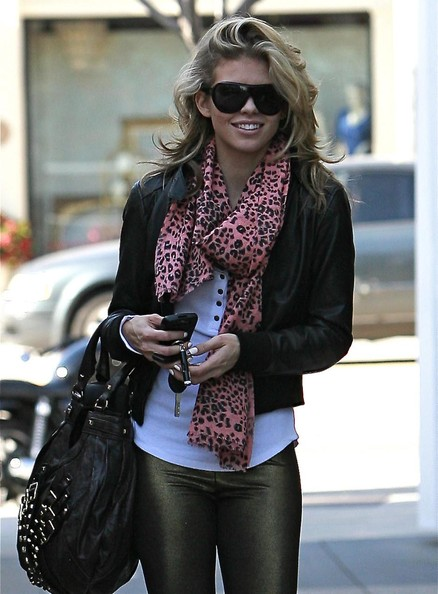Actress AnnaLynne McCord out for lunch with a mystery man at Cafe Primo in West Hollywood, CA.