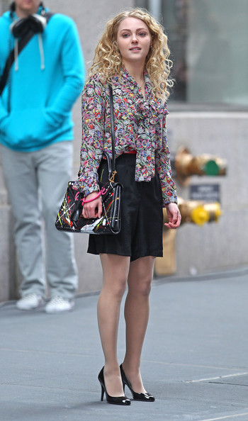 Actress AnnaSophia Robb films an exterior scene for 'The Carrie Diaries' in downtown Manhattan in New York City, NY on March 24, 2012.