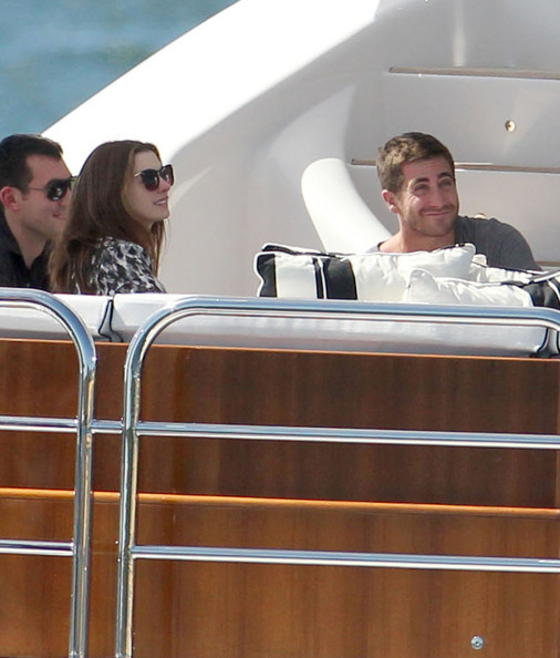Anne Hathaway and Jake Gyllenhaal - Anne Hathaway amp; Jake Gyllenhaal Spending The Day On James. Anne Hathaway amp; Jake Gyllenhaal Spending The Day On James