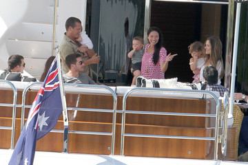 Anne Hathaway Jake Gyllenhaal Anne Hathaway & Jake Gyllenhaal Spending The Day On James Packer's Yacht