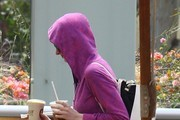 Anne Hathaway Sneaks Away From the Gym
