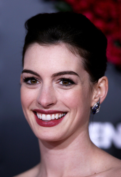 Anne Hathaway Photos Photos Valentine S Day Los Angeles Premiere