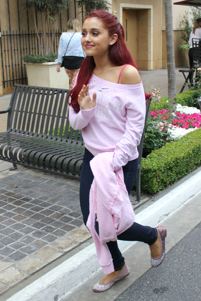 """iCarly"" star Ariana Grande goes shopping at The Grove with her mother on May 2, 2012 in Los Angeles, California."
