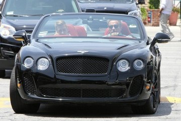 Arnold Schwarzenegger Arnold Schwarzenegger Lunches in Brentwood