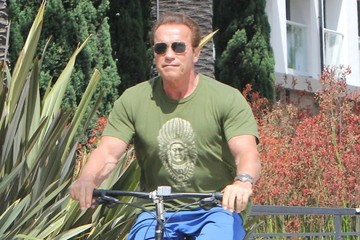 Arnold Schwarzenegger Arnold Schwarzenegger and Heather Milligan Go out for a Ride