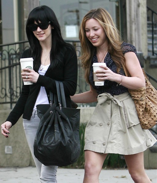 Singer Ashlee Simpson-Wentz and her mother Tina Simpson getting some Starbucks with a friend in Los Angeles, CA.