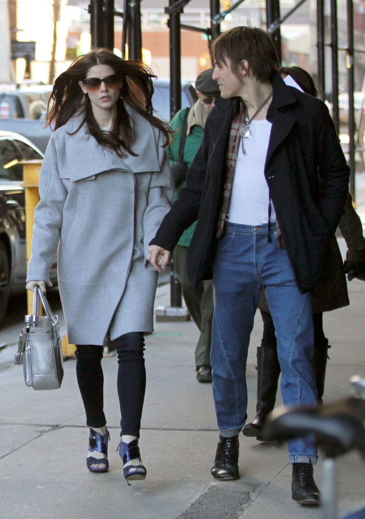 Ashley Greene And Reeve Carney Together in NYC - Zimbio
