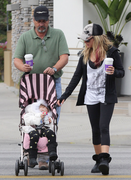 Photo of Ashley Tisdale & her Father   Mike Tisdale