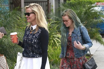 Ava Phillippe Reese Witherspoon Takes Daughter Ava to a Hair Salon