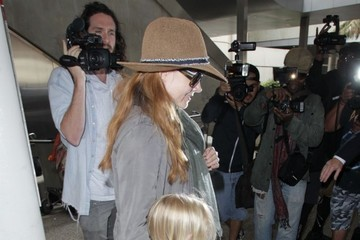 Aviana Le Gallo Amy Adams Touches Down At LAX With Her Family