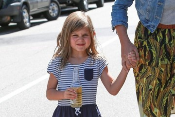 Birdie Silverstein Busy Philipps Takes Her Daughter to Lunch