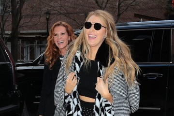 Blake Lively Blake & Robyn Lively Step Out In NYC