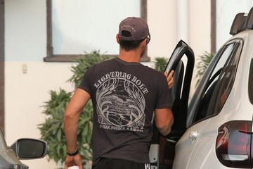 Brian Austin Green Brian Austin Green Stops to Grab Coffee in Malibu