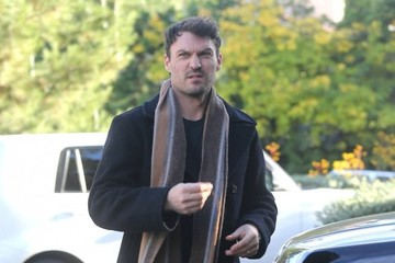 Brian Austin Green Pregnant Megan Fox And Family Out For Lunch At The Beverly Glen Plaza