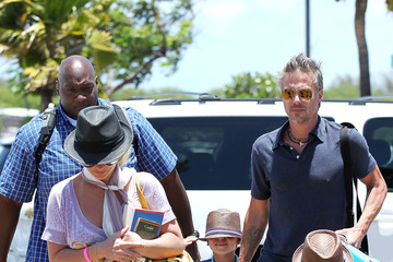 Britney Spears Jason Trawick Britney Spears Heads Home From Maui With Her Boys