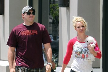 Britney Spears Britney Spears Carries Her Puppy in LA