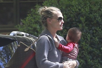 Brooks Stuber Molly Sims Takes Son Brooks To A Playdate