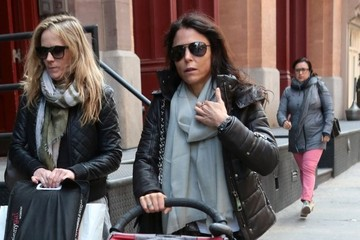 Bryn Hoppy Bethenny Frankel Takes Her Daughter For A Walk