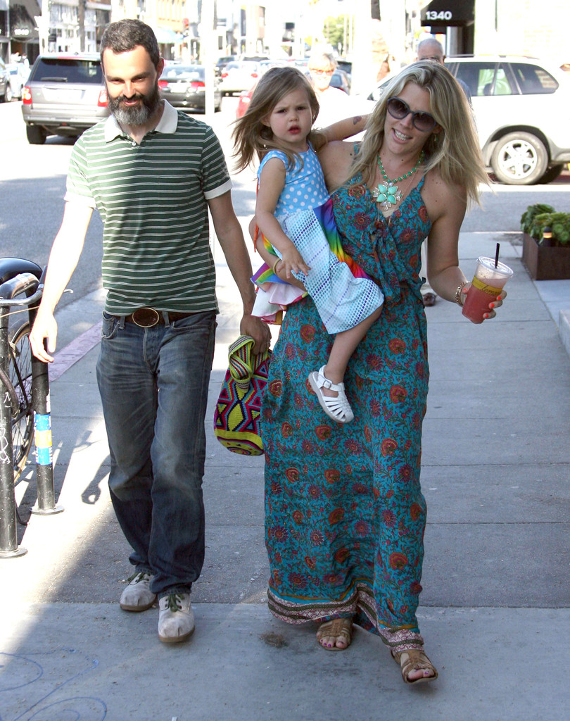 busy philipps and marc silverstein photos photos busy philipps and family out in venice zimbio. Black Bedroom Furniture Sets. Home Design Ideas