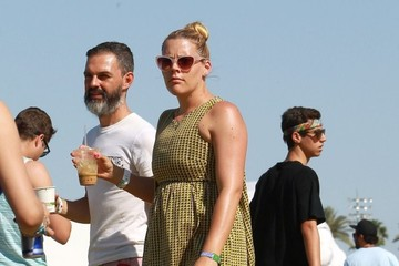 Busy Philipps Marc Silverstein Star Sightings at Coachella: Day 3