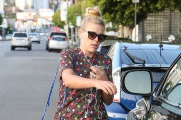 Busy Philipps Busy Philipps Running Errands In Beverly Hills