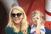 Busy Philipps and Cricket Silverstein Photos Photo