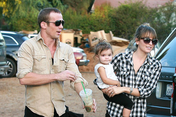 Everleigh Ray Gigandet Cam Gigandet And Family At Mr. Bones Pumpkin Patch