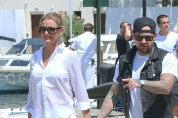 Cameron Diaz Cameron Diaz & Benji Madden Stepping Off Their Yacht In France