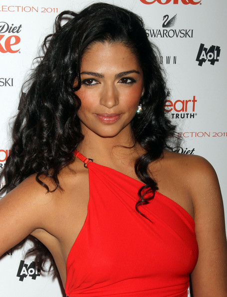 camila alves oscars. camila alves oscar dress,