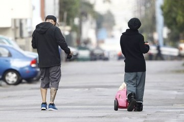Carey Hart Pink & Carey Hart Take Willow For A Stroll