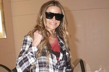 Carmen Electra Carmen Electra Departing On A Flight At LAX