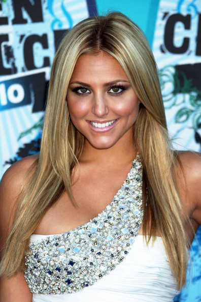 http://www2.pictures.zimbio.com/fp/Cassie+Scerbo+2010+Teen+Choice+Awards+Arrivals+Sg7lXkY5MKhl.jpg