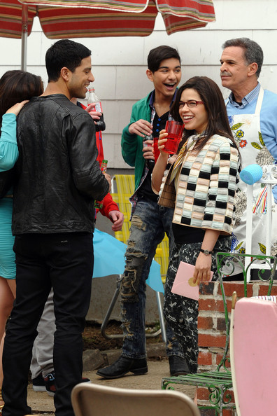 ugly betty cast. Cast Of quot;Ugly Bettyquot; On Set Of