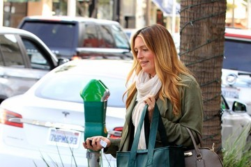Cat Deeley Cat Deeley Shows Off Her Baby Bump While Shopping in Beverly Hlls