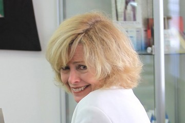 Catherine Hicks Catherine Hicks Gets Her Nails Done In Beverly Hills