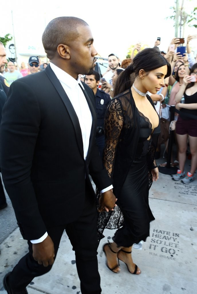 Reggie Bush And Kim Kardashian Beach Kim Kardashian Photos ...
