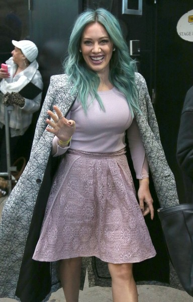 Get Into Hilary Duff and This Blue-Green Hair @hilaryduff Hilary Green Instagram