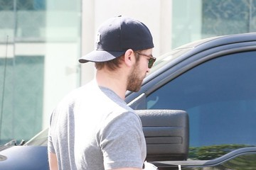 Chace Crawford Chace Crawford Gets a Parking Ticket in West Hollywood