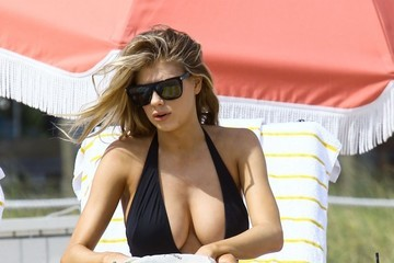 Charlotte McKinney Charlotte McKinney On The Beach In Miami